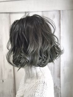 ミントグラデーションカラー [6マット:ブルー/1:1] in 2020 Asian Short Hair, Girl Short Hair, Hair Dye Colors, Cool Hair Color, Medium Hair Styles, Curly Hair Styles, Short Grunge Hair, Shot Hair Styles, Aesthetic Hair