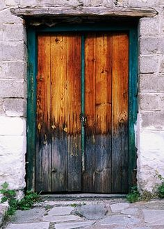 This door looks like it is on fire ! I just love the natural colors of it.
