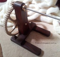 Learning to spin using a Quill Spindle.  Includes link to video instructions.