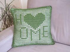 onmyway: Kissenbezug HOME häkeln, 40x40cm Throw Pillows, Starry Ceiling, Flower Crochet, Knitting And Crocheting, Tutorials, Deco, Projects, Toss Pillows, Decorative Pillows