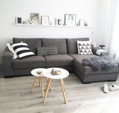 The Best Small Apartment Living Room Decor Ideas Living Pequeños, Living Room Grey, Small Living Rooms, Home Living Room, Apartment Living, Living Room Decor, Modern Living, Small Living Room Designs, Small Living Room Furniture