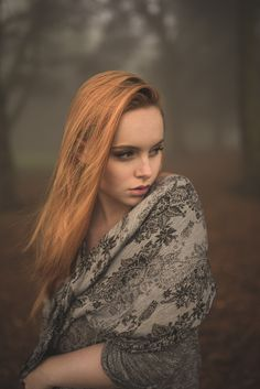 Natural outdoor portraits with megan bea tiernan in mist, fog forest in killiney hill  0018