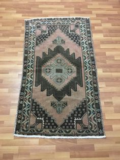 1960s Classic Turkish Anatolian Rug,Muted Colors Medallion Pattern Room Decor Rug,Vintage Interior Design Wool Area Rug 3'3''x5'6''