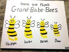 Footprint bees - cute spring craft! Gifts For Nana, Homemade Gift For Grandma, Mother's Day For Grandma, Cute Mothers Day Gifts, Grandpa Gifts, Diy Cards For Grandma, Presents For Grandma, Birthday Gifts For Grandma, Homemade Gifts