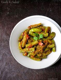 Vegetable kolhapuri maharashtrain vegetable kolhapuri recipe tendli ki subzikudru recipe stir fried ivy gourd with mild indian spices forumfinder Image collections