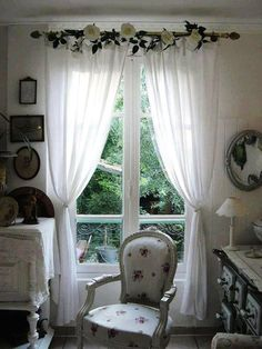Shabby Chic Furniture Plans as Shabby Chic Kitchen Ideas her Shabby Chic Decor To Make many Black And White Shabby Chic Living Room opposite Shabby Chic Ready Made Curtains Chic Interior, Chic Bedroom, Shabby Chic Living Room, Shabby Chic Curtains, Chic Furniture, Chic Living Room, Shabby Chic Bedroom, Chic Home Decor, Home Decor