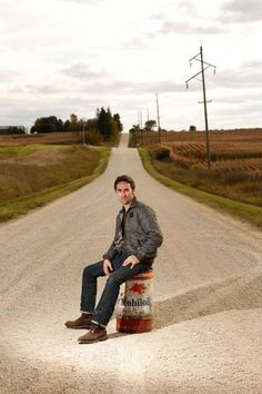 Mike Wolfe on Iowa country road!