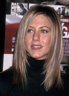 Jennifer Aniston's Best Hairstyles of All Time - 40 Jennifer Aniston Hair Cuts and Colors Medium Hair Cuts, Long Hair Cuts, Medium Hair Styles, Long Hair Styles, Mid Length Straight Hair, Straight Layered Hair, Mid Length Hair With Layers, Jennifer Aniston Hair, Jenifer Aniston