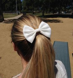 4 or White hair bow white bow white hairbows by TwinkleMingle Teen Hair Bows, White Hair Bows, Girls Bows, Teen Hairstyles, Unique Hairstyles, Royal Blue Hair, Indian Eyes, Hair Accessories, Hairbows