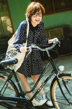 iPhone壁紙 Wallpaper Backgrounds and Plus Tsubasa Honda Japanese Actress iPhone Wallpaper Bicycle Women, Bicycle Girl, Japanese Models, Japanese Girl, Tsubasa Honda, Fashion Models, Girl Fashion, Cycle Chic, Bike Style