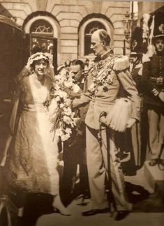 Prince Carl, Duke of Västergötland accompanying his daughter, Princess Margaretha of Sweden on her wedding to Prince Axel of Denmark