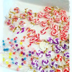ハロウィンセット用のミニチュアキャンディたち♥ 作りすぎて腕がパンパン(T-T) #ミニチュアスイーツ #ミニチュア #ミニチュアフード #スイーツデコ #フェイクスイーツ #ハンドメイド#ハロウィン #キャンディー #ドールハウス #シルバニアファミリー #ブライス #miniature #fakesweets #halloween