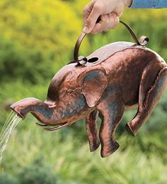 Elephant Watering Can! Plow and hearth and so cute Elephant Love, Elephant Art, Elephant Stuff, African Elephant, Dream Garden, Garden Art, Elephas Maximus, Elephants Never Forget, Hans Christian