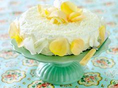 Zitronencreme-Kuchen ist ein Rezept mit frischen Zutaten aus der Kategorie Obstkuchen. Probieren Sie dieses und weitere Rezepte von EAT SMARTER!