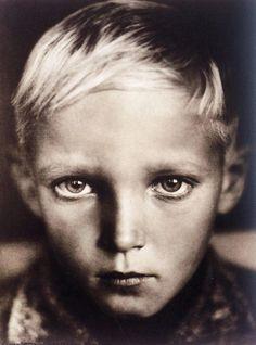 Erna Lendvai Dricksen: Head of a Child, 1938.