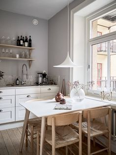 Dining Area, Kitchen Dining, Dining Rooms, Dream Apartment, Scandinavian Home, Small Spaces, Sweet Home, Room Decor, House Design