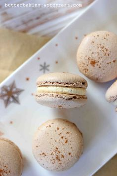 Gingerbread Macarons with Eggnog Buttercream – Butter Baking Beignets, Cinnamon Coffee, Macaroon Recipes, Cupcakes, Almond Recipes, Creme, Cookie Recipes, Gingerbread, Sweet Tooth