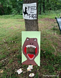 An outdoor dinosaur party to celebrate my five-year-old's birthday.: