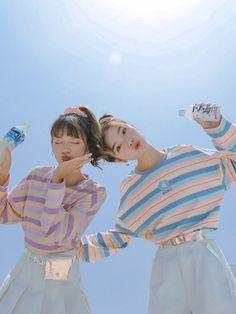 Best Friend Outfits, Girls Best Friend, Harajuku Fashion, Kawaii Fashion, Korean Couple Photoshoot, Bff Girls, Korean Best Friends, Best Friends Aesthetic, Korean Girl Fashion