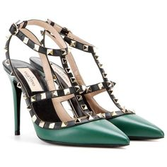 Rockstud leather pumps Valentino (2,760 PEN) ❤ liked on Polyvore featuring shoes, pumps, sandals, green, studded pumps, genuine leather shoes, leather shoes, evening pumps and green evening shoes