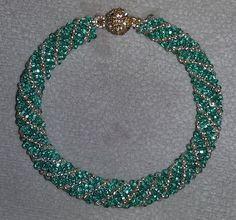 Crochet Beaded Bracelets, Beaded Necklace Patterns, Jewelry Patterns, Crystal Jewelry, Beaded Jewelry, Handmade Jewelry, Fall Jewelry, Indian Jewelry, Seed Bead Necklace