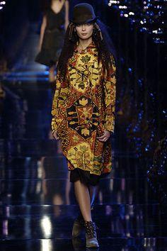 John Galliano Fall 2006 Ready-to-Wear Fashion Show - Tiiu Kuik