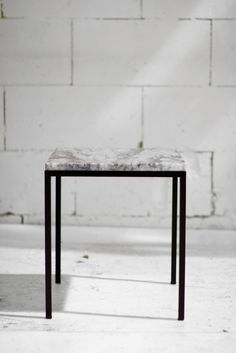 sweet little table with marble top, love it!