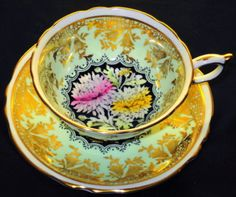 PARAGON-GOLD-BELL-FLOWER-YELLOW-PINK-MUM-TEA-CUP-AND-SAUCER