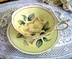 Paragon Yellow Tea Cup and Saucer Wide Teacup Pink Wild Tea Cup Set, Tea Cup Saucer, Cute Tea Cups, Yellow Tea Cups, Tea Sets Vintage, Vintage Teacups, Vintage China, Made In Japan, China Tea Cups