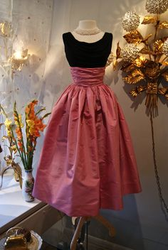 78721d1145ae Long Evening Taffeta Skirts | Fabulous 1950's bubble gum silk taffeta skirt  with silk jersey top