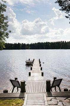 Lake Cottage, Cozy Cottage, Cottage Living, Lake Dock, Lake Garden, Lakeside Living, Douro, Lakefront Homes, Lake Cabins