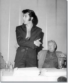"Elvis with his Dad, Vernon @ the ""Las Vegas"" press conference"