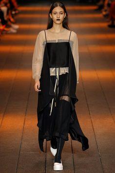 DKNY (Greta Varlese)
