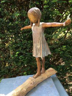 Sculptures Céramiques, Sculpture Clay, Garden Sculpture, Ceramic Figures, Ceramic Art, Paper Clay, Clay Art, Pottery Angels, Chocolate Sculptures