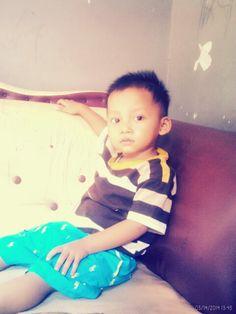 Ehm...handsome sih.*ichsan*