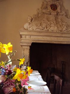 Make your party special : set the table in front of the old fireplace.