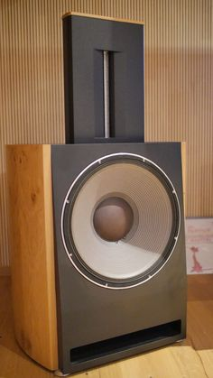 new active loudspeaker series from German Bohne Audio. Here a stereo and c… – – Audioroom Home Theater Setup, Best Home Theater, At Home Movie Theater, Home Theater Seating, Theatre, Audiophile Speakers, Hifi Audio, Audio Speakers, Audio Design