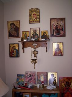Icon Corner in living room photo iconcornersfeb132010004.jpg