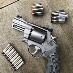 S&W 686 Performance Center Magnum Smith And Wesson Revolvers, Smith N Wesson, Ruger Revolver, Home Defense, Self Defense, Weapons Guns, Guns And Ammo, 357 Magnum, Custom Guns