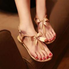 Leather Flip Flat Sandals von Edlwise auf DaWanda.com