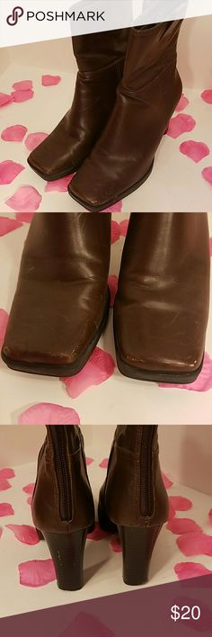 Skechers heeled ankle boots size 7 1/2 Few scuffs and Knicks so price is low #a Skechers Shoes Heeled Boots