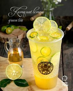 Design a professional business card for you (มีรูปภาพ) Candy Drinks, Fruit Drinks, Beverages, Matcha Drink, Matcha Smoothie, Juice Ad, Restaurant Advertising, Drink Photo, Fruit Tea