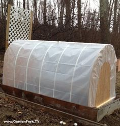 Easy to build PVC Cold Frame Hoop House is a mini greenhouse to grow vegetables in winter Simple Greenhouse, Build A Greenhouse, Cold Frame Gardening, Wood Plans, Raised Beds, Play Houses, Outdoor Furniture, Outdoor Decor, Outdoor Spaces