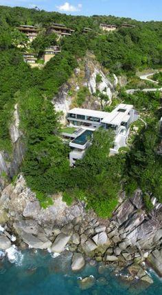 Incredible house on a cliff: Villa Amanzi in Thailand