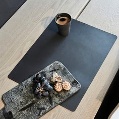Table Mat Square L von LindDNA | Connox Shop