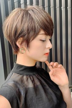 20 Pixie Haircut That Will Make You Look Different Short Textured Hair, Funky Short Hair, Short Hair With Layers, Short Hair Cuts, Short Hair Styles, Short Pixie, Messy Pixie, Edgy Hair, Pixie Cuts