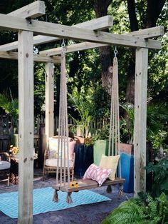 How to Make & Hang a Simple Outdoor Swing - Modern Design Small Backyard Design, Backyard Patio Designs, Small Backyard Landscaping, Garden Design, Backyard Pools, Backyard Ideas, Patio Ideas, Landscaping Tips, Diy Patio