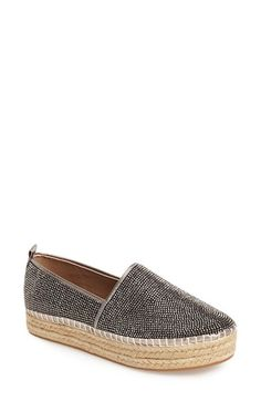 Free shipping and returns on Steve Madden 'Chopur-R' Espadrille Flat (Women) at Nordstrom.com. A summer-inspired espadrille platform boosts a fab flat with plenty of shine. Pair with a simple tank and your favorite skinnies for a relaxed, laid-back look.