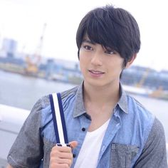 Cute Japanese actor cum singer Mackenyu