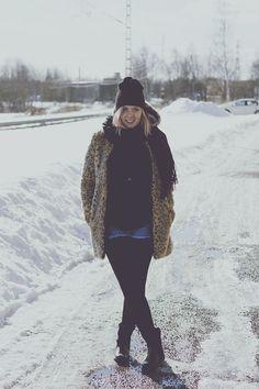 leopard faux fur coat, beanie, cut off denim shorts and biker boots